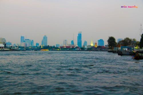 Ekspres bottan Bangkok şehir manzarası