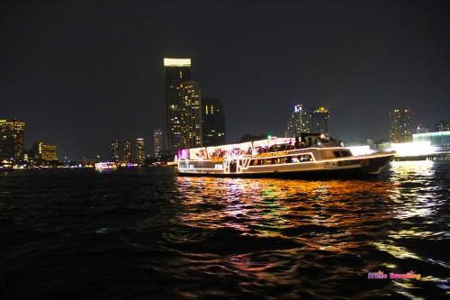 Chao Phrayanehri akşam bir başka güzel, Bangkok