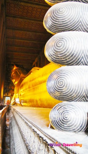 Phra Vihara of the Reclining Buddha, Wat Pho in Bangkok