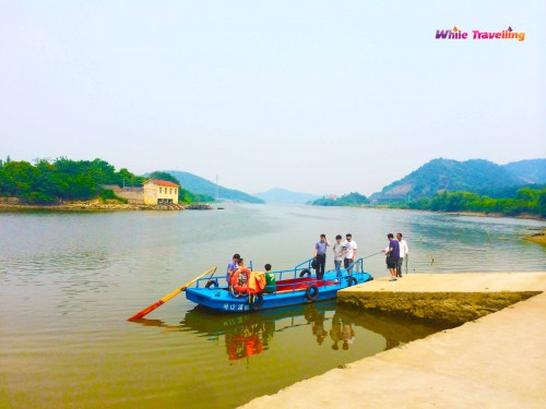 The paddle boat to Neolithic Hemudu Culture Site