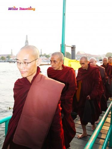 İskeledeki keşişler, Bangkok