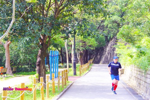 Running in Victoria Trail, Hongkong