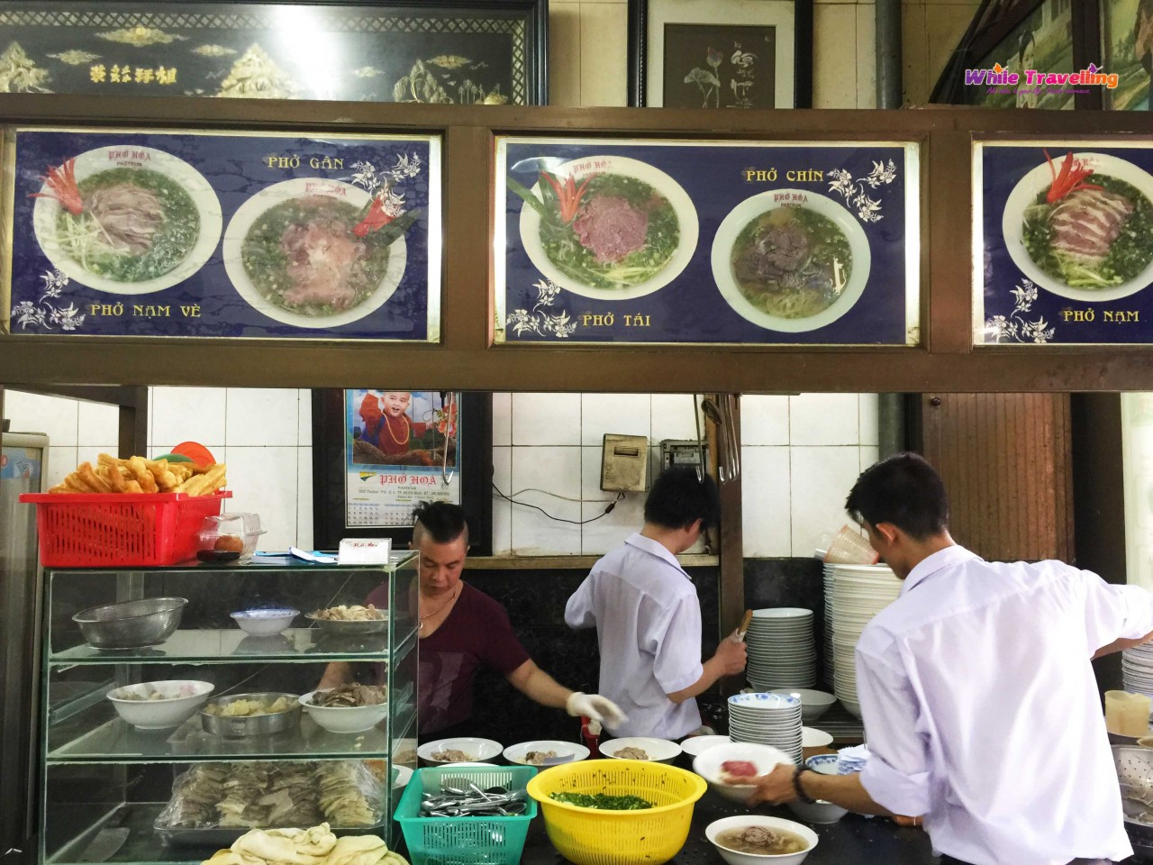 the-best-pho-soup-in-ho-chi-minh-while-travelling7
